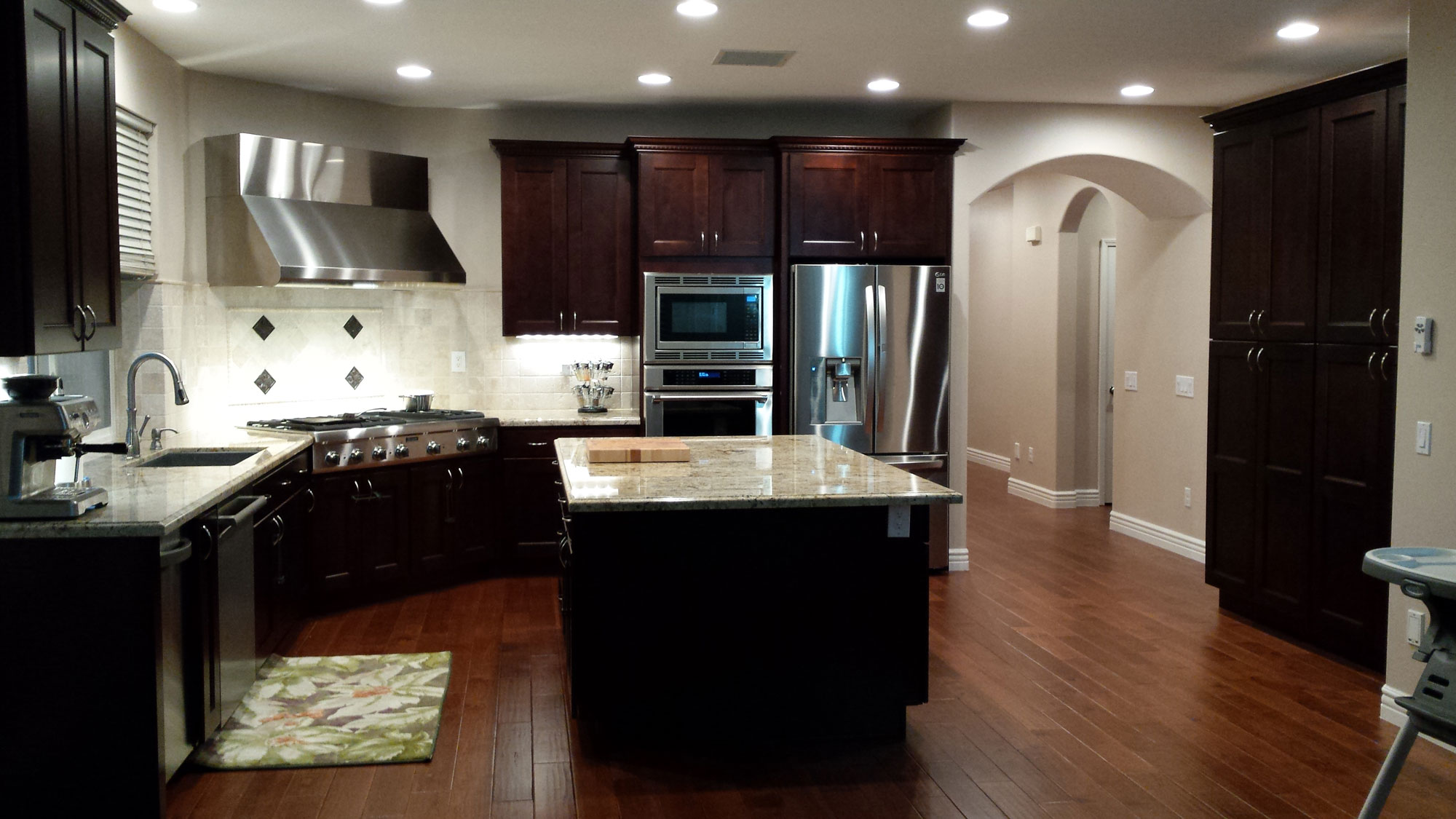 kitchen-remodel-new-cabinets-hardwood-flooring-countertop